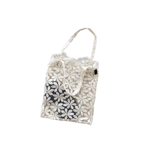 commodnol lace bag_may