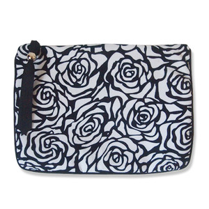 (sale)black rose big pouch(교환/환불 불가)